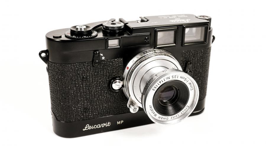 Leica MP Black Enamel Nr. 50 with Leicavit rapid winder, also finished in Black Enamel finish, with 50mm Elmar f3,5 Nr. 1141153