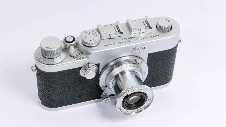 The Leica Ig was the first Leica camera made with the word Leica on the camera front